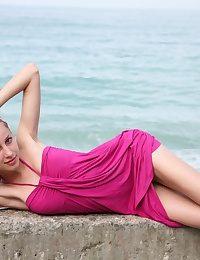 Skokoff's Janetta demonstrating mammories on the beach